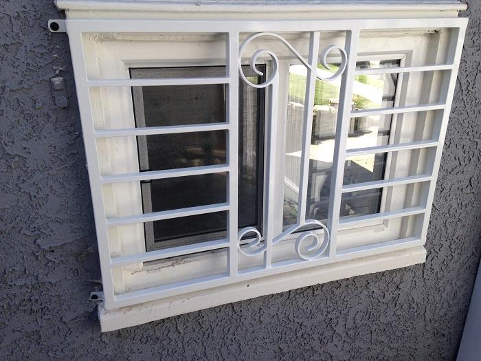 عکس حفاظ پنجره